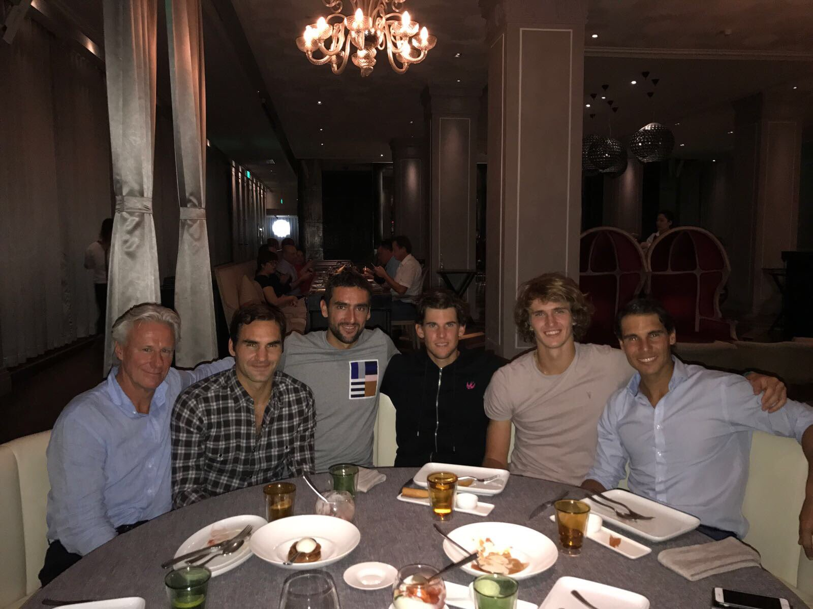 We all missed @LaverCup so much that we had to have a reunion in Shanghai ���� ...@tomasberdych we saved you a seat! https://t.co/lnt2ixCDBi