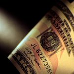 Dollar treads water vs. yen with eyes on North Korea, euro extends gains