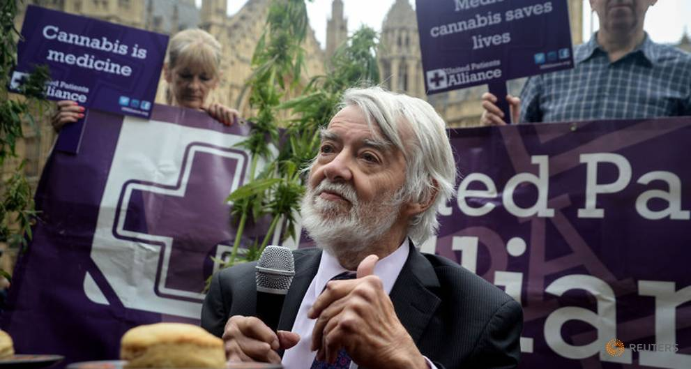UK lawmakers join protest tea party to support medicinal marijuana