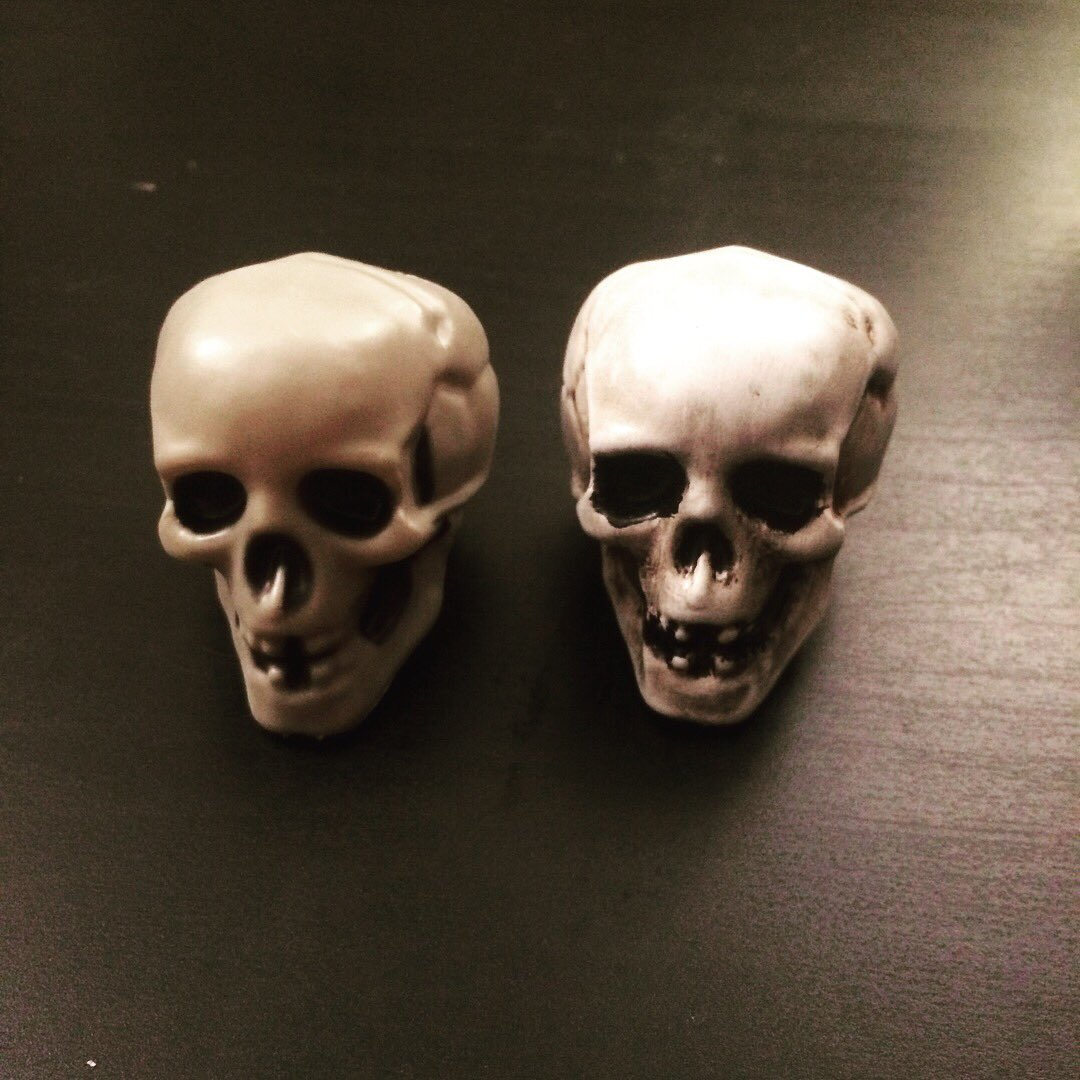 2 pic. Did a bit of art and craft today. Repainted bunch of skulls for gf Halloween costume. /