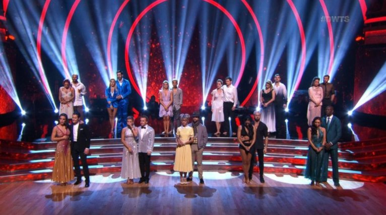 RECAP: @DancingABC Week 4: @derekfisher & @SharnaBurgess goes home ��  https://t.co/aWo4VuY3B3 https://t.co/nyc6sfPUMG