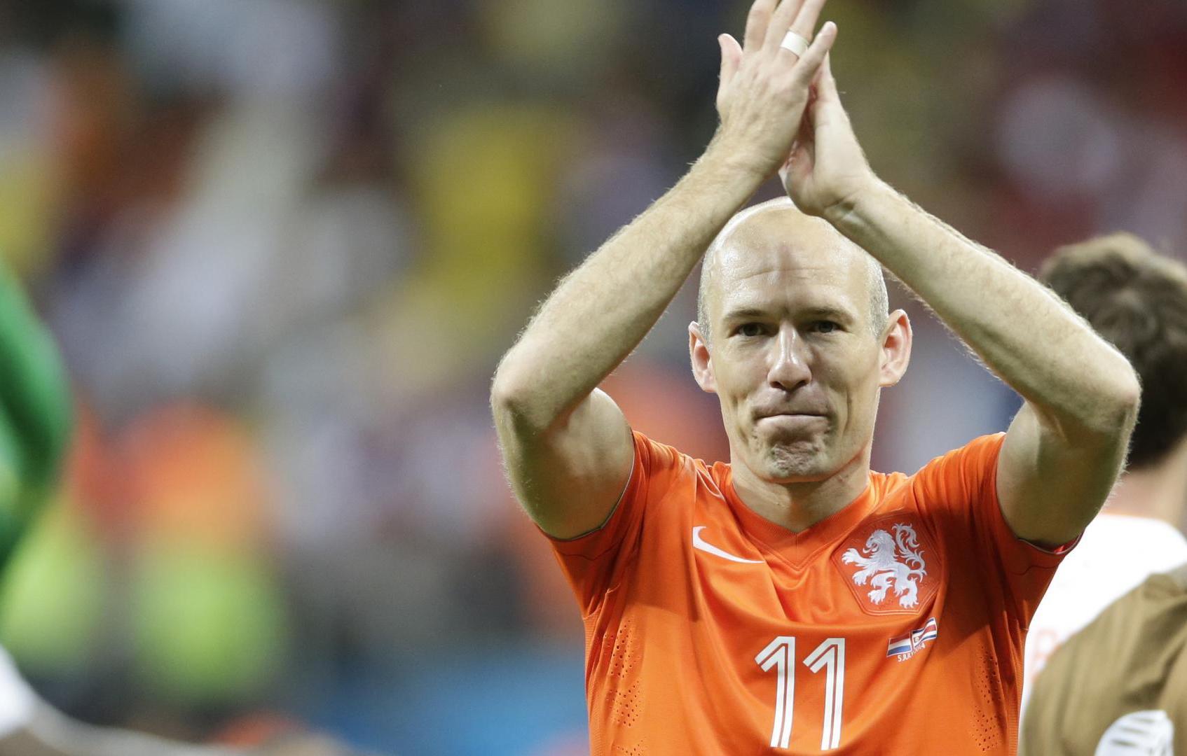 Final triste.  Robben despede-se da seleção holandesa depois de falhar a qualificação para o Mundial na Rússia. https://t.co/nhMqEWjFXA