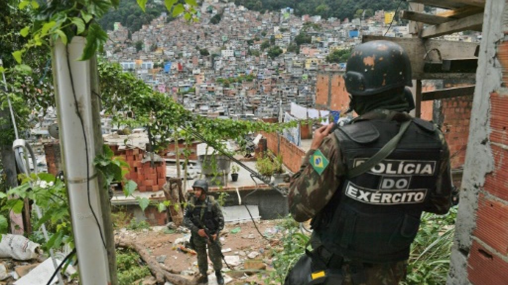 Brazilian military return to Rio favela after gang shootout