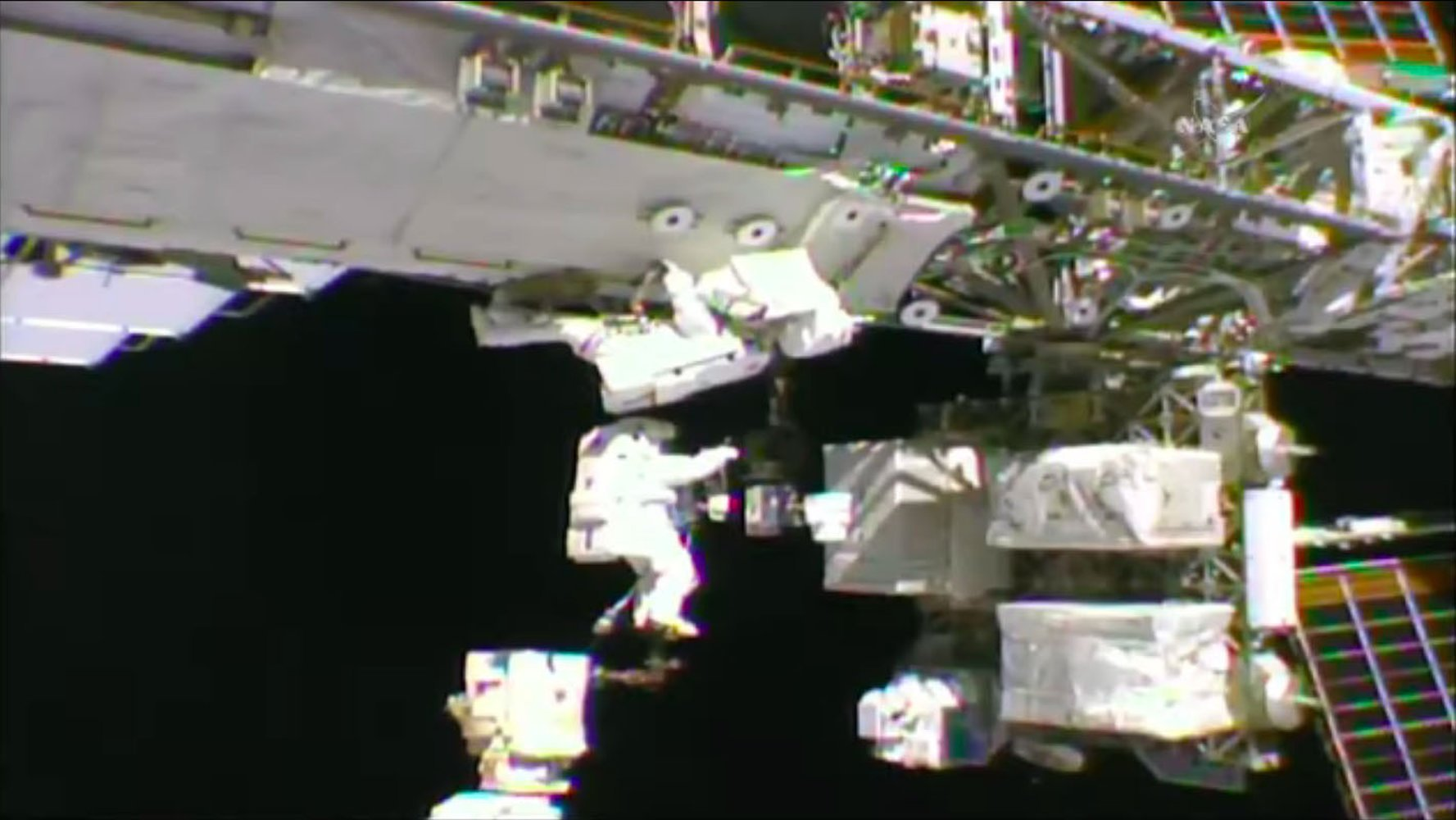 Astronauts Breeze Through Spacewalk at the International Space Station https://t.co/pb6O45orIj https://t.co/58Hip17wxl