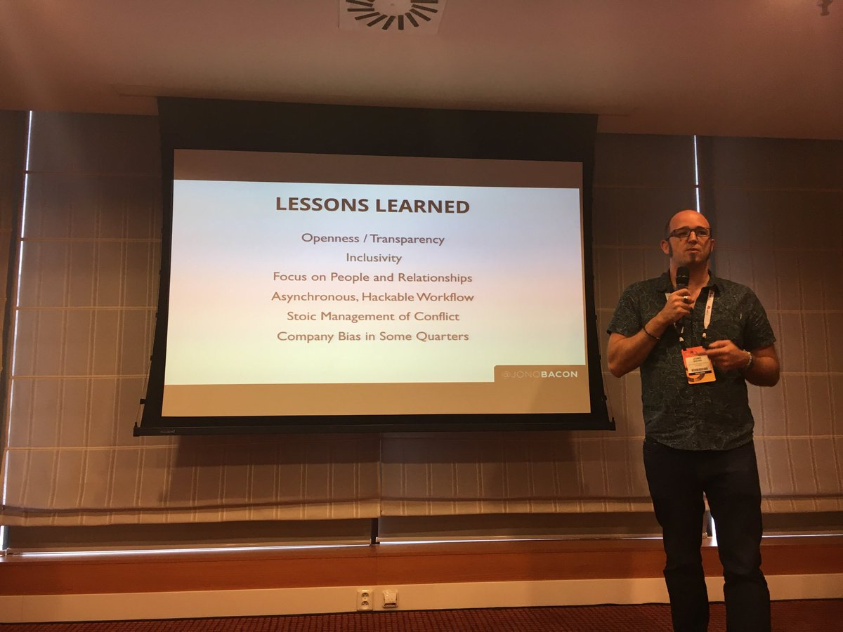 Lessons learned for #opensource #community @jonobacon #ossummit https://t.co/FpOyLBAvJJ