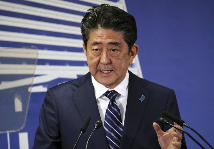 @BroadcastImagem: Após vitória, Shinzo Abe promete focar ameaça da Coreia do Norte e envelhecimento da população. Koji Sasahara/AP