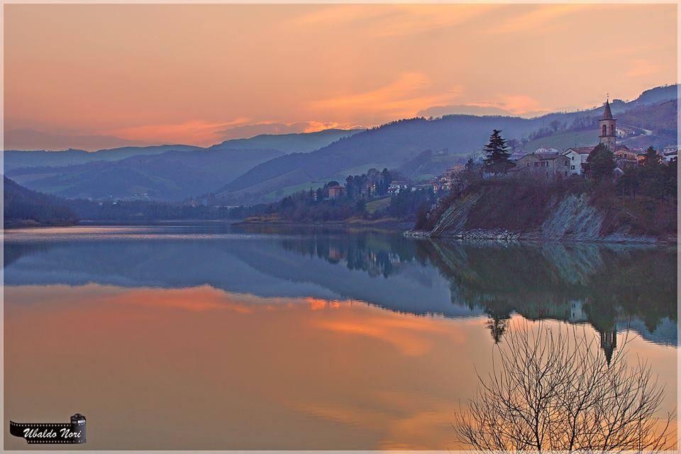 Come in un quadro impressionista il tramonto ci indica la via