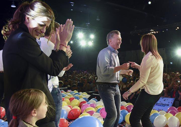 @BroadcastImagem: Mauricio Macri amplia poder no Congresso após eleição na Argentina. Cambiemos Party/AP
