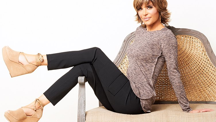 Today only (Oct. 23rd) the entire Lisa Rinna Collection is on Easy Pay! Shop now --> https://t.co/JLi6wRlpgT https://t.co/ZST6xAJgJQ