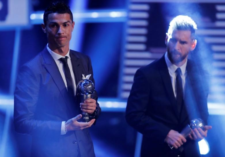 Cristiano Ronaldo retains FIFA award for world's best player