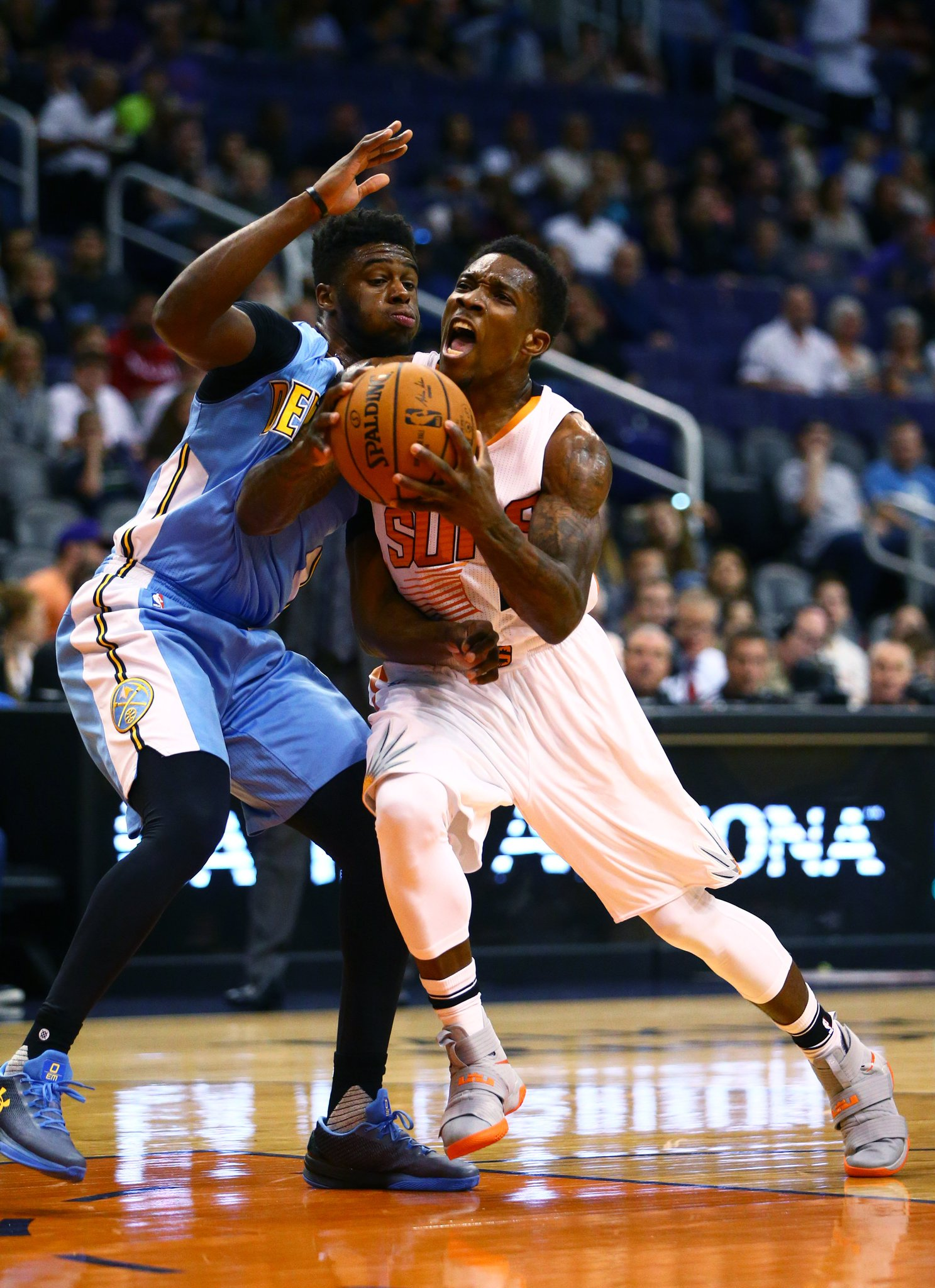 Suns and Nuggets have discussed a Bledsoe-Mudiay trade, per @MikeAScotto https://t.co/kSKRRDZyU3 https://t.co/bAH9zfkWuN