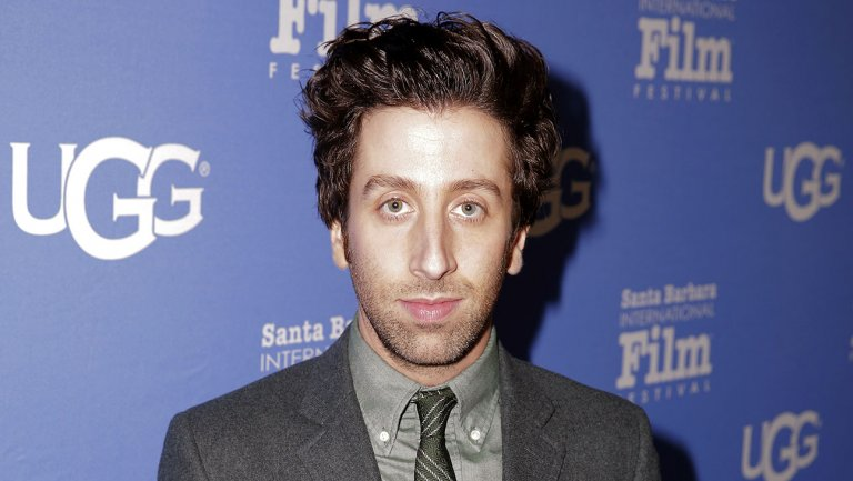 BigBangTheory star @SimonHelberg sells CIA comedy to CBS