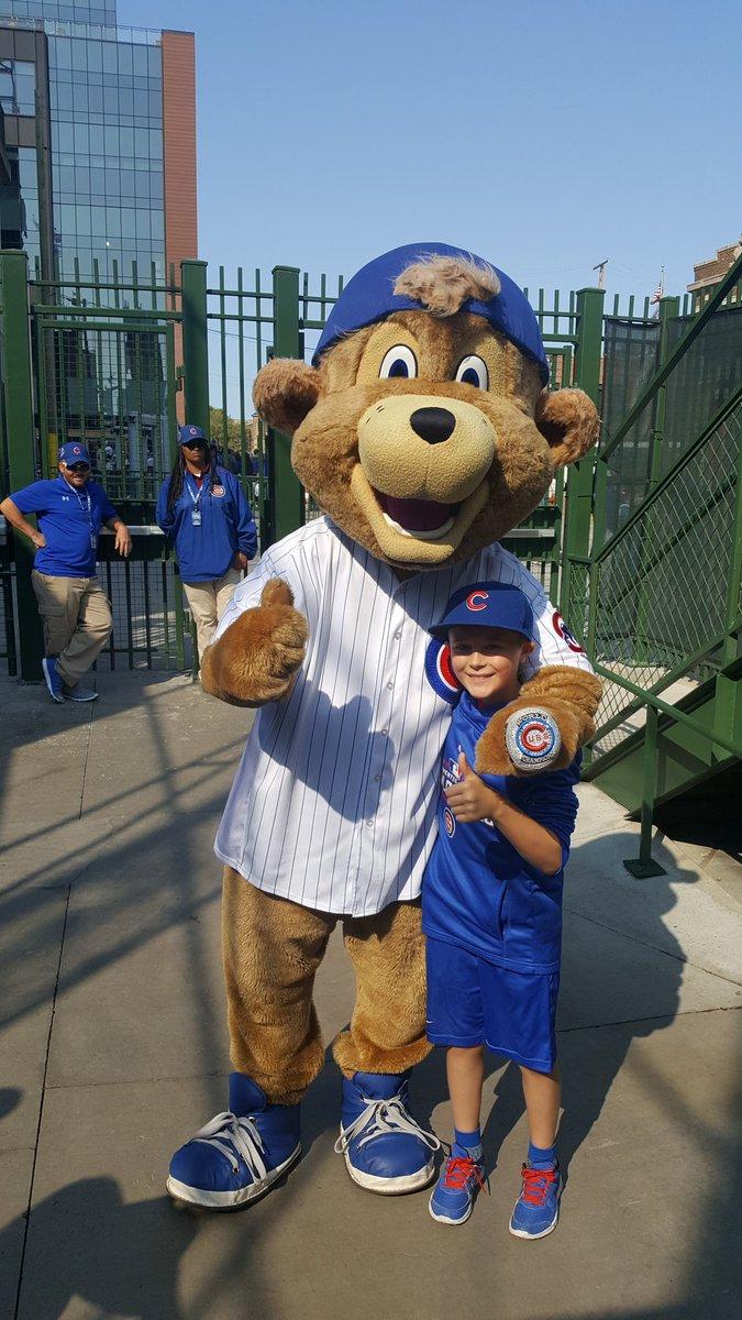 @ClarktheCub @Cubs Always a blast spending time with you @ClarktheCub , see you next season. #GoCubsGo #ThatsCub https://t.co/c4vJvFwWvc
