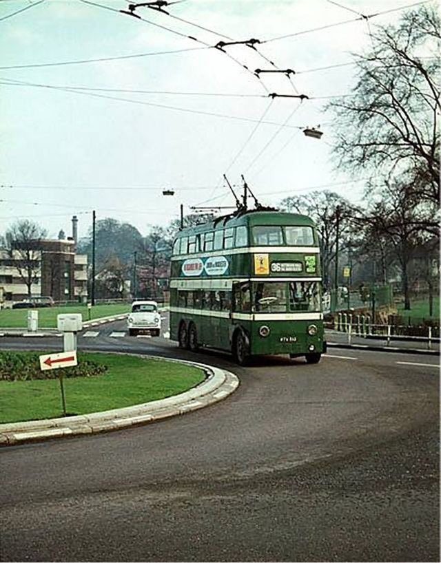 RT @Nottinghasm: A trolley bus at the Goose Fair roundabout, #Nottingham, c. 1965. Photographer unknown. https://t.co/xTfJw5ppvR