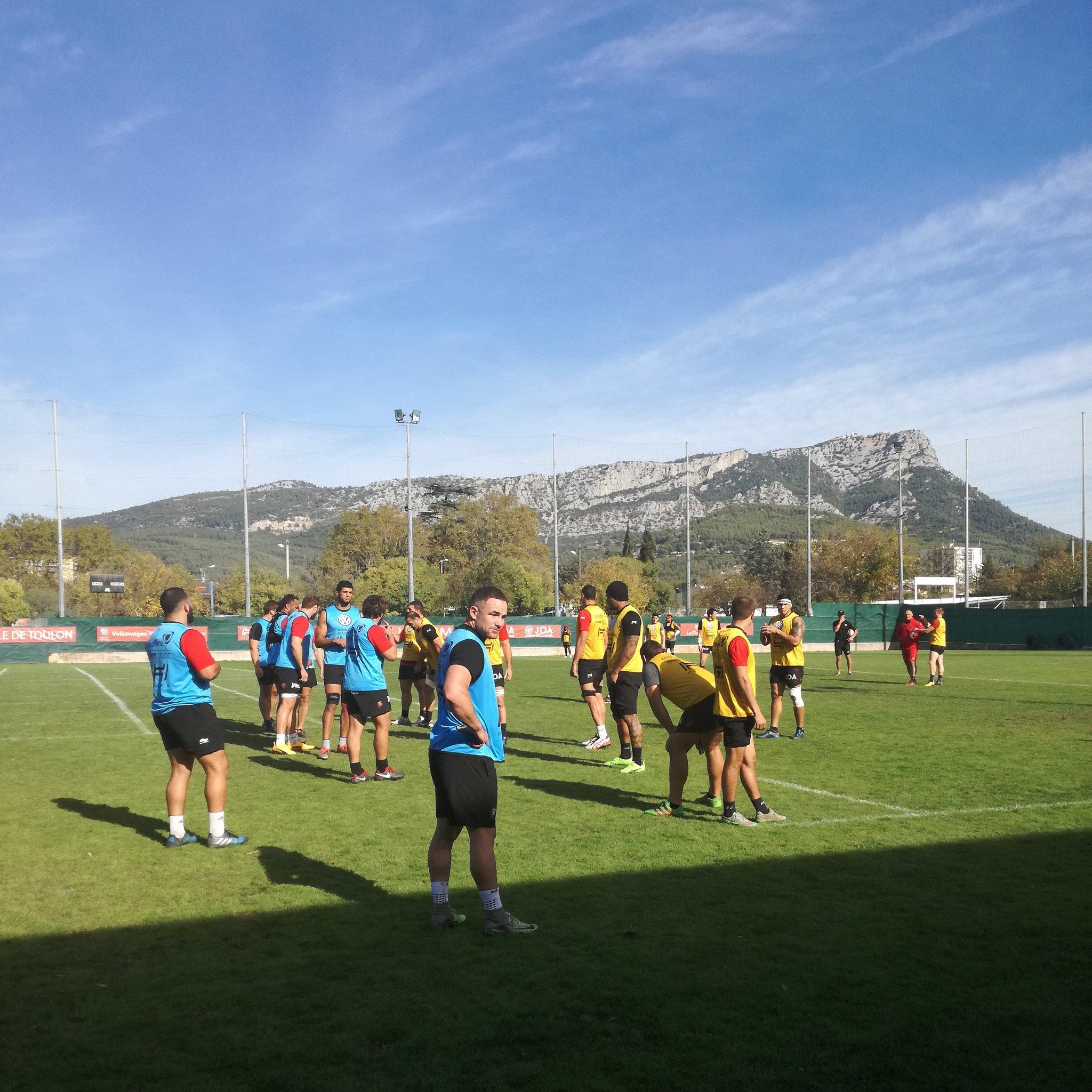 Le premier entraînement d'@AlbyMathewson au #RCT sur la pelouse de Berg https://t.co/B1JZUowmbi