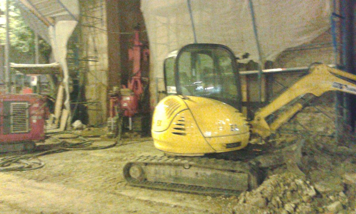 """RT @Ste_Giorgetti: Continuano anche di notte i lavori al Palazzo Mazzoni #linea2 #tramviaFi https://t.co/MhtO6OPr6x<a target=""""_blank"""" href=""""https://t.co/MhtO6OPr6x""""><br><b>Vai a Twitter<b></a>"""
