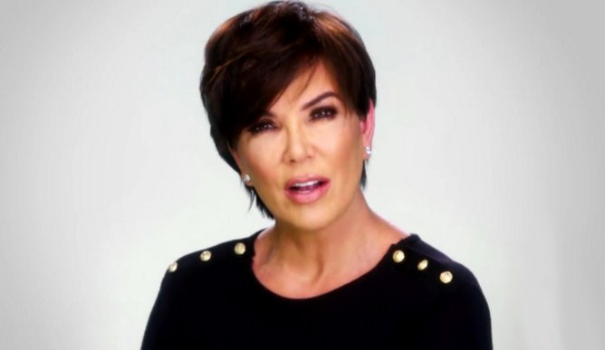 This is not a drill: KRIS JENNER HAS BLONDE HAIR.