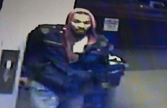 Police seek suspect in Roseville gun shop robbery