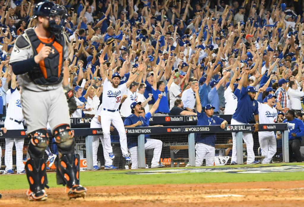 Los Angeles Dodgers defeat the Houston Astros in Game 1 of World Series in pitchers' duel