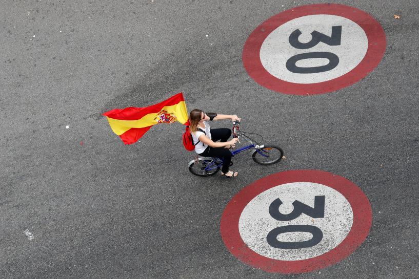 Juncker says does not want Catalan independence https://t.co/flPplmNEg8 https://t.co/YQy7xONESC