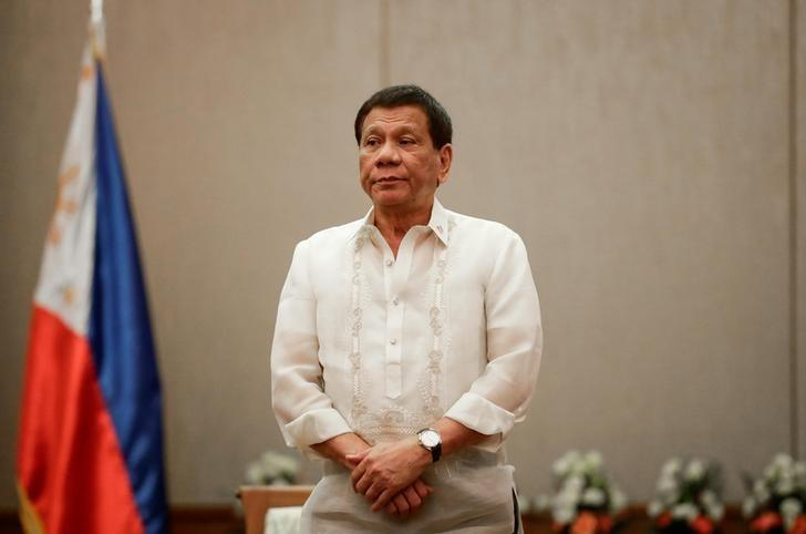 New poll shows Philippine president still hugely popular https://t.co/wHPIXBz8Jc https://t.co/jMrjPZRRzT