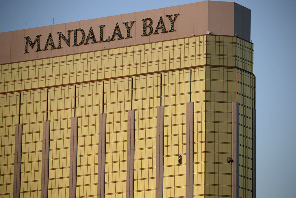 Hotel tries to clarify 'misinformation' over Las Vegas shooting timeline https://t.co/uStX4nDOvW https://t.co/z07CBwgLIe