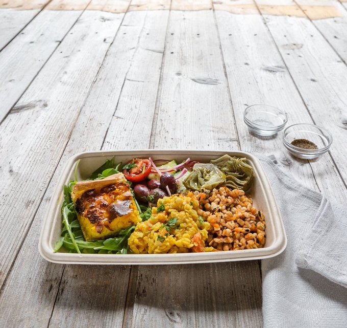 Got that #Friday Feeling? Treat yourself to one of our delicious salad boxes, available to take away.