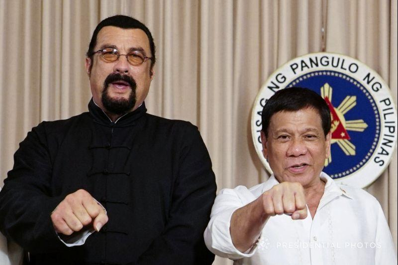 Steven Seagal meets 'The Punisher' Duterte, talks drug war https://t.co/uHoOpj3kpn https://t.co/5CA0DqPVJ7