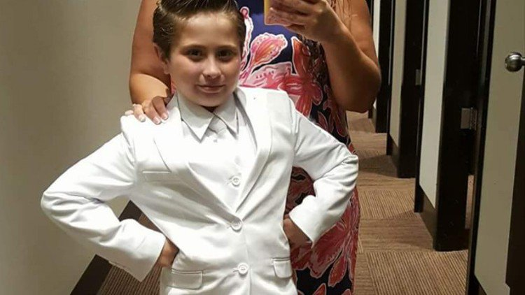 Church denies first Communion to fashion-loving girl who wanted to wear suit