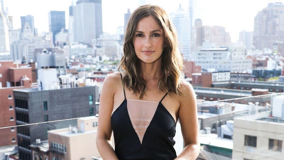 .@MinkaKelly on Harvey Weinstein: I'm sorry for being 'complicit in protecting his behavior' https://t.co/HWyzvuGcxh https://t.co/SBsX1KQyKH