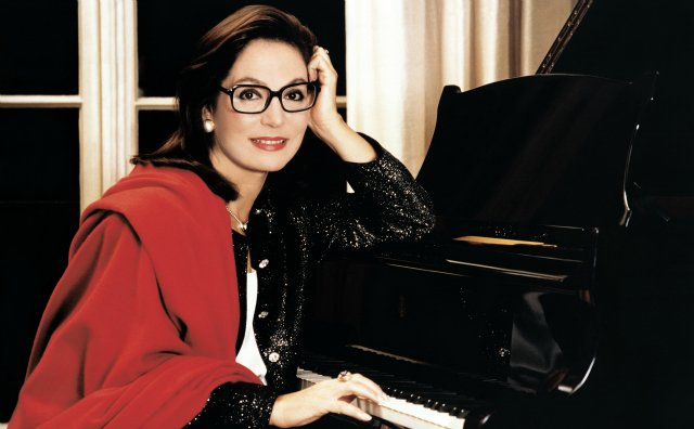 Happy Birthday liebe Nana Mouskouri!
