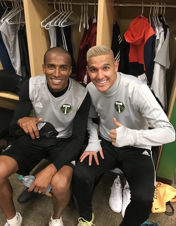 Contento por lo conseguido con #LaSele 🇨🇷🔜🇷🇺 Ahora a seguir dándole con todo!  #RCTID I'm back and very happy! 😁💚 We are strong ⚽️💪🏽 #DG20 https://t.co/SP4Ok72dGG