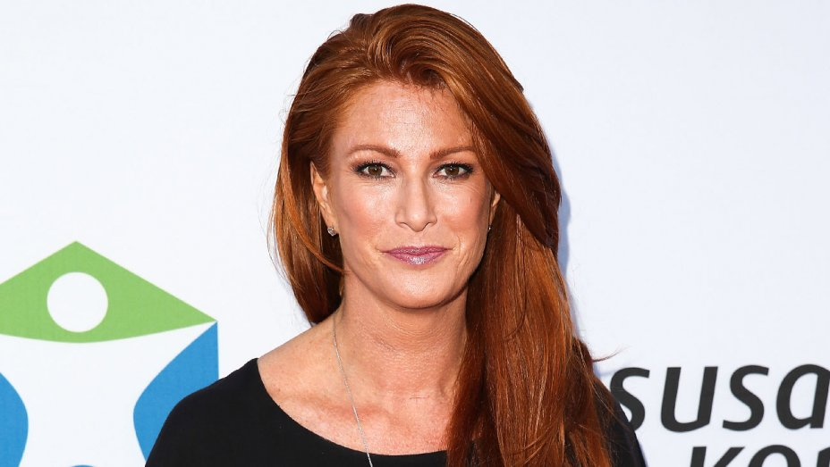 Angie Everhart says Harvey Weinstein pleasured himself in front of her: https://t.co/CnQxsnJUDt https://t.co/1xG9jwY2Sv