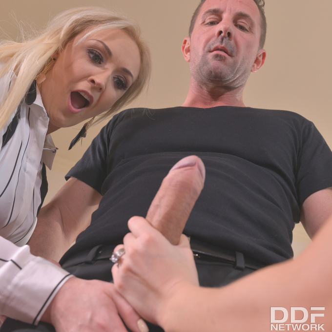 2 pic. #Hot & Deep English lesson with @amberdeenxxx Vera Wonder & @davidperryx Now on: https://t.co/ogjOl0jASa