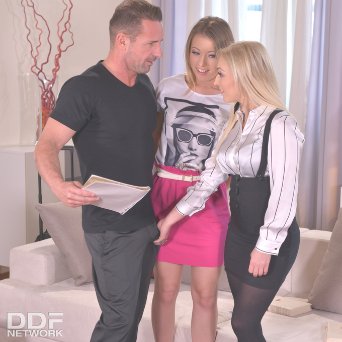 1 pic. #Hot & Deep English lesson with @amberdeenxxx Vera Wonder & @davidperryx Now on: https://t.co/ogjOl0jASa