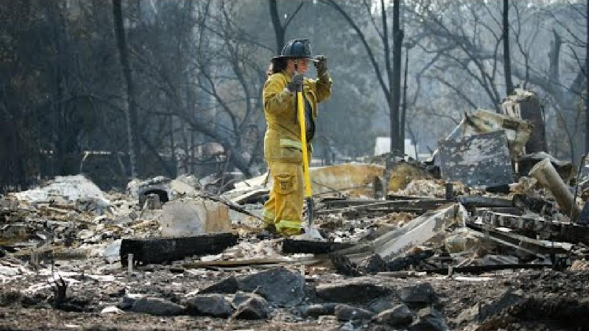 ?? California wildfires rage on as record death toll rises