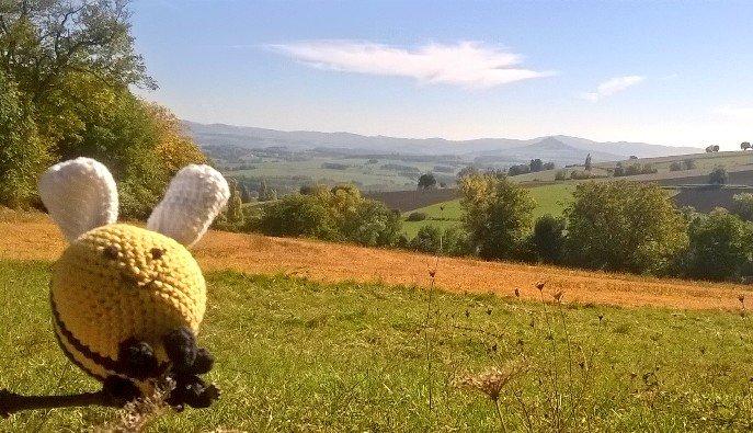 Bicy-bee, notre mascotte, découvre la Toscane auvergnate, au sud-est de Clermont !