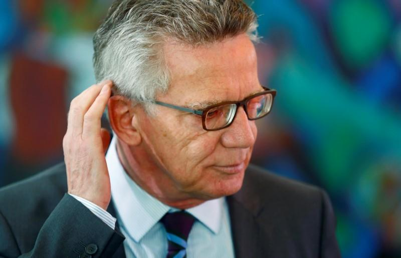 German minister upsets fellow conservatives by proposing Muslim holidays
