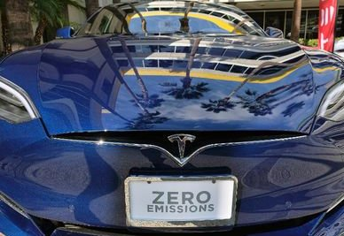 Tesla fires hundreds after performance reviews