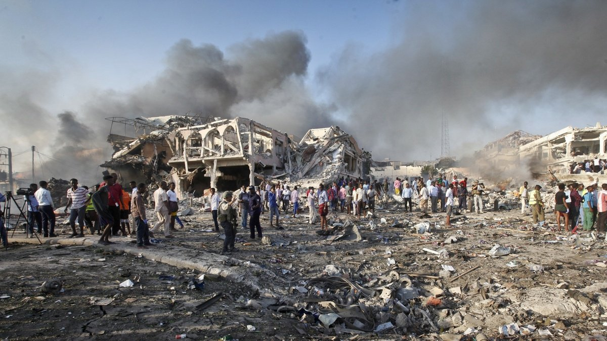 Bombing in Somalia's capital leaves at least 231 dead, over 275 injured