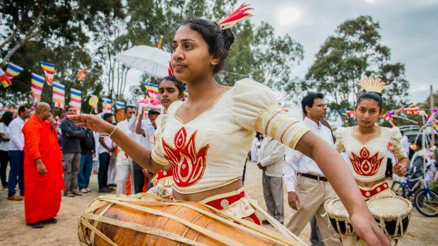 Canberra's Buddhist faithful mark Katina festival with giving, gratitude