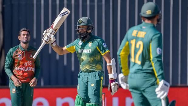 South Africa sweeps aside Bangladesh in huge 10-wicket win