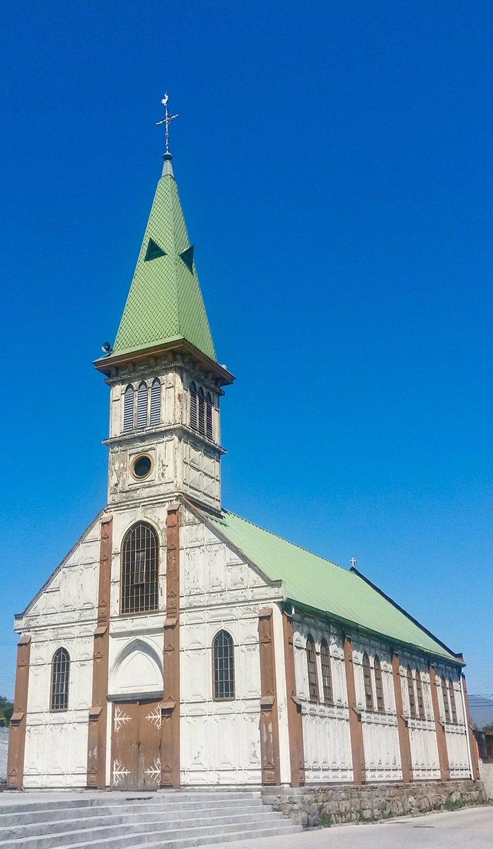 Iglesia de #Guayacan con estructura metálica diseñada por #Eiffel  #Coquimbo #Chile  ...