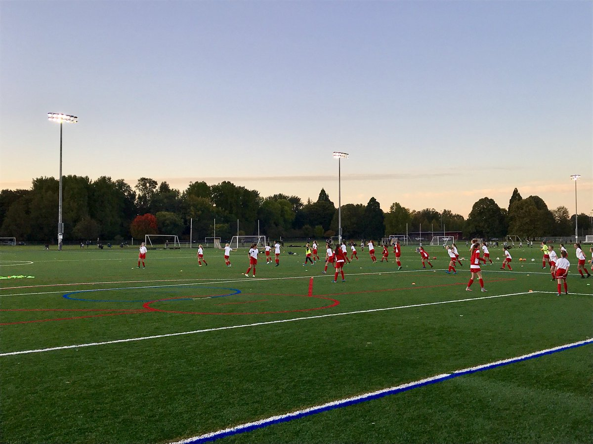 Meanwhile, hopeful members of the @ThornsFC 2029 @NWSL Championship team are working hard.  #BAONPDX #U13TIME https://t.co/zt3XAIqS1M