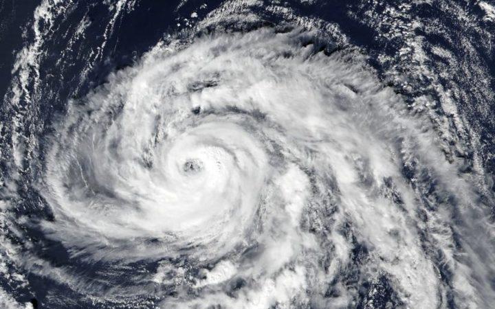 Major Atlantic storm approaches UK, Ireland