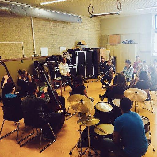 test Twitter Media - Afgelopen zaterdag waren de 12 plussers met @sweelinckorkest leerlingen muziek aan het maken #geweldig dan #gadija #wouter en #michael https://t.co/eY1HabPhkf