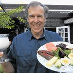 Noakes calls traditional food pyramid 'genocide'