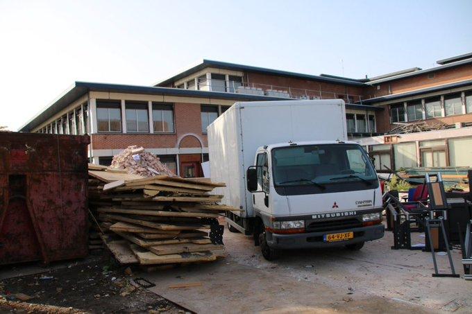 Sloop oude gemeentehuis aan de Stokdijkkade Naaldwijk is van start gegaan. https://t.co/gvZ5QuhOCw