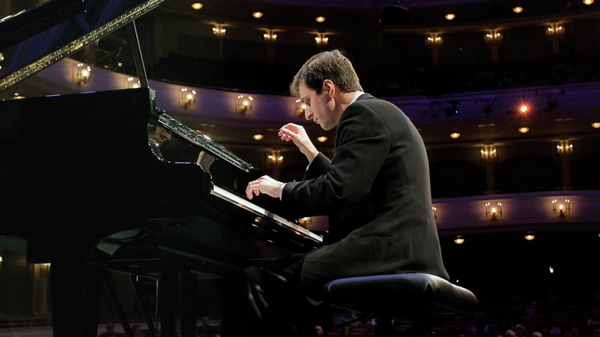 """Like a homecoming"": Minnesota-based pianist, Van Cliburn Silver Medalist performing at MSUM"