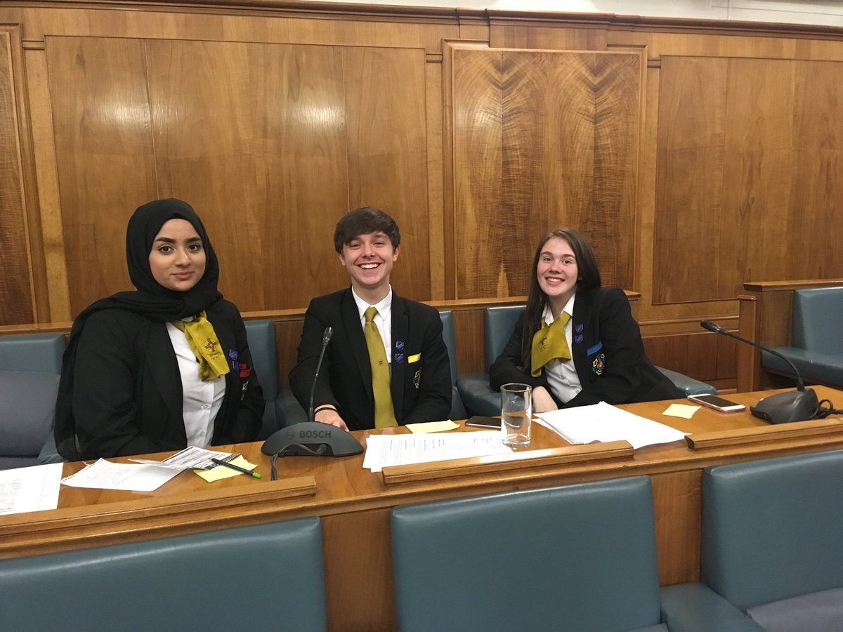 test Twitter Media - Making a difference at the Bury youth council. #debate #makingachange. https://t.co/fEt4bYUXnR
